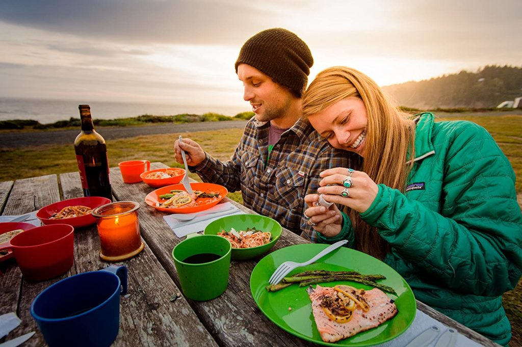 best camping plates with mesh bag