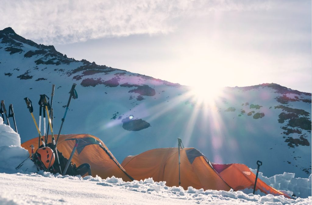 How to Insulate a Tent for Winter Camping (8 Best Tips for ...